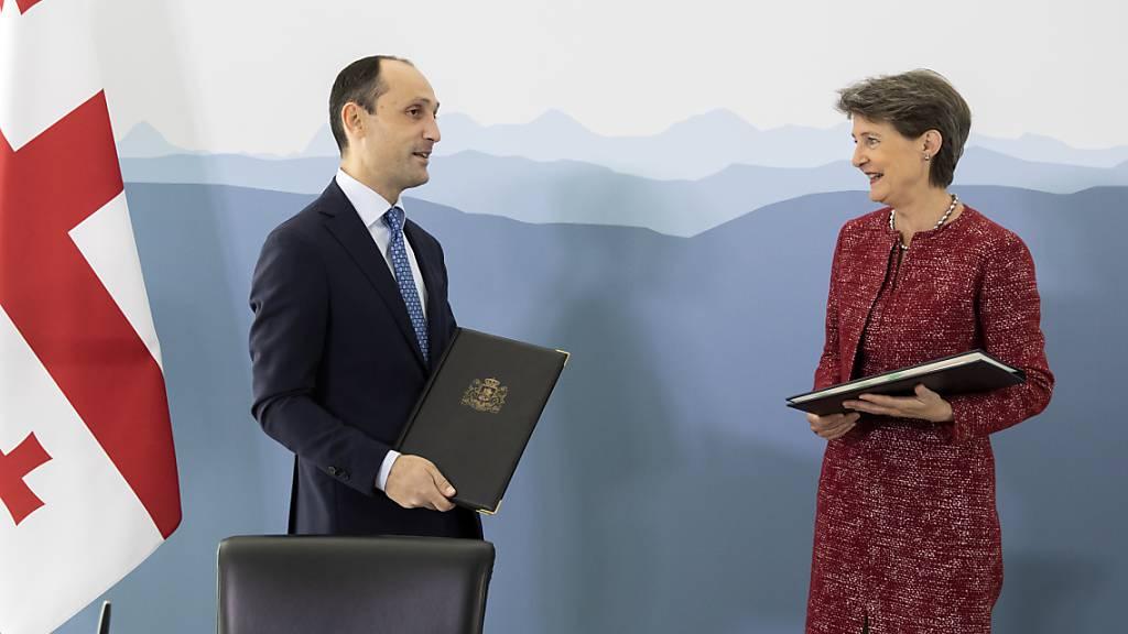 Sommaruga unterzeichnet Klimaabkommen mit Georgien