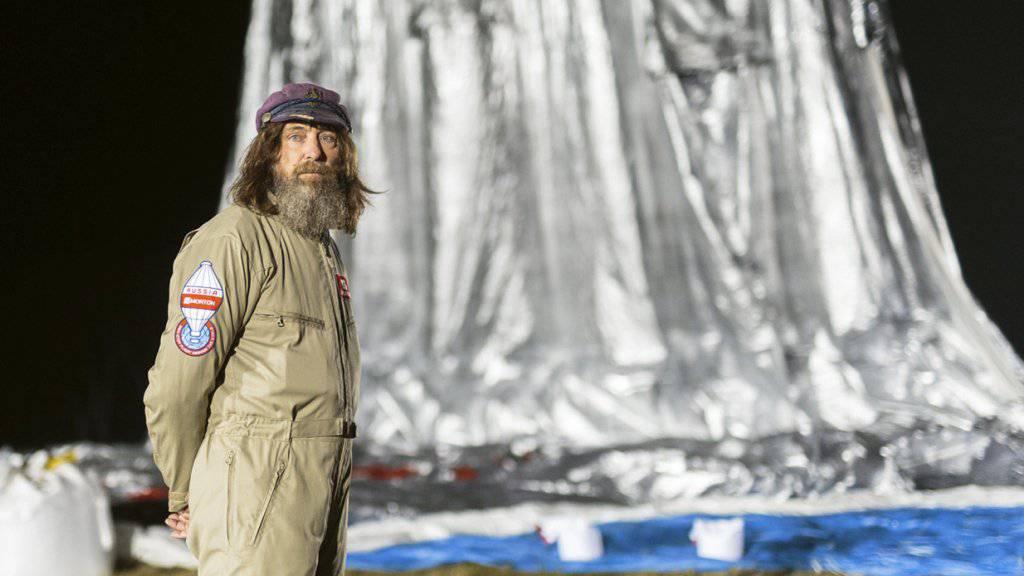 Der russische Extrem-Abenteurer Fedor Konjuchow hat als Ballonfahrer einen neuen Weltrekord aufgestellt.