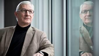 Herr über 3100 Lernende: Ueli Meyer, Rektor der Berufsschule Aarau (BSA), will frei bleiben.