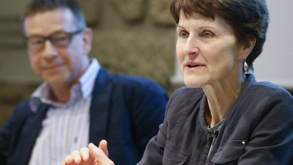 Planen den versuchsweisen Cannabis-Verkauf in Apotheken: Die Stadtberner Gemeinderätin Franziska Teuscher und Matthias Egger von der Uni Bern.
