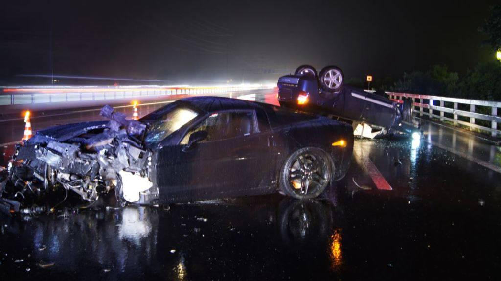 Drei Unfälle auf Zuger Autobahn innerhalb von 75 Minuten