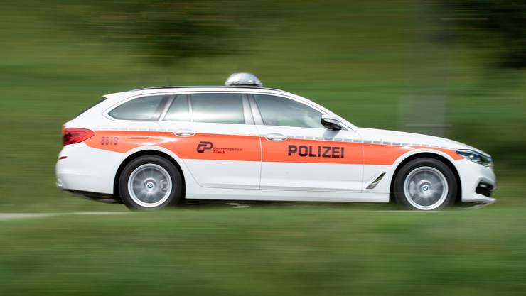 Die Kantonspolizei Zürich verhaftete am Samstag einen Mann, nachdem eine Zeugin einen Einbruchsversuch gemeldet hatte. (Symbolbild)