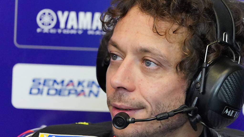 Immerhin sagt Rossi, dass es ihm mit Ausnahme von leichtem Fieber am Donnerstagmorgen gut geht.