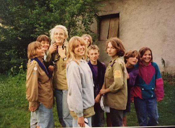Das Fähnlein Felsenburg 1992 unterwegs auf einer Wanderung im Tessin.