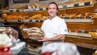 Produktionsleiter Dominik Frei in der Filiale im Markthof in Nussbaumen: «Jedes Brot hat seine Ausstrahlung.» Sandra Ardizzone