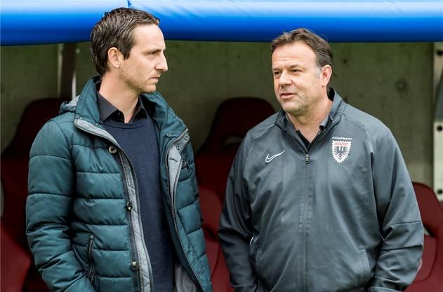 Zwischen sie passt kein Blatt: Sportchef Burki (links) und Cheftrainer Patrick Rahmen.