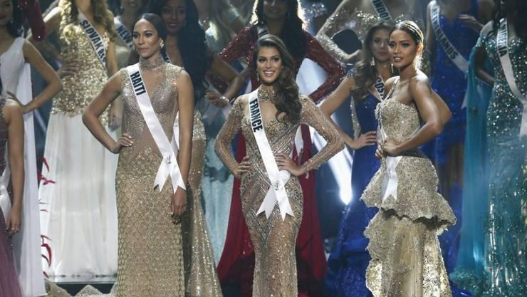 Die Französin Iris Mittenaere (Mitte) ist die neue Miss Universe. Sie wurde am 30. Januar 2017 gekrönt.