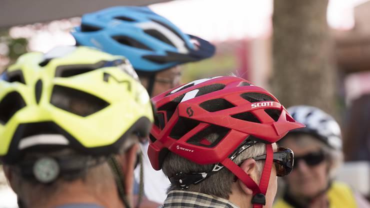 In Spanien herrscht ein Velohelm-Obligatorium. In anderen Ländern wird das Tragen eines Helmes zumindest empfohlen. (Symbolbild)