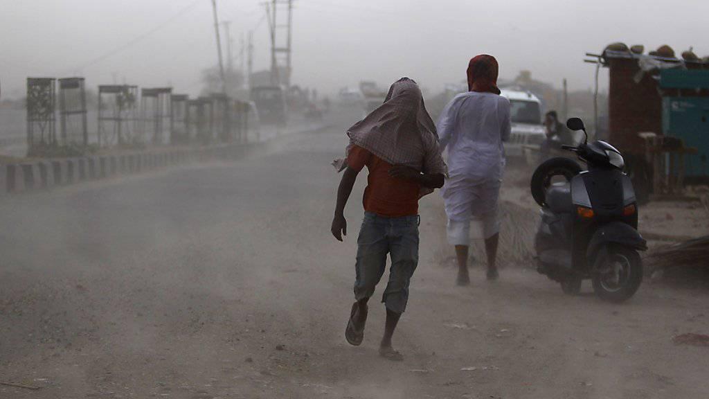98 Tote bei folgenschweren Sandstürmen in Nordindien