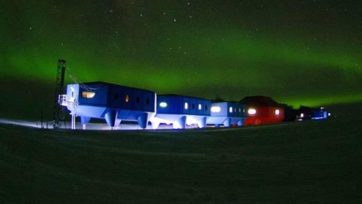 Die britische Forschungsstation Halley VI am Rand des Südatlantischen Ozeans wird von einem Eisbergabbruch bedroht. (Archivbild)