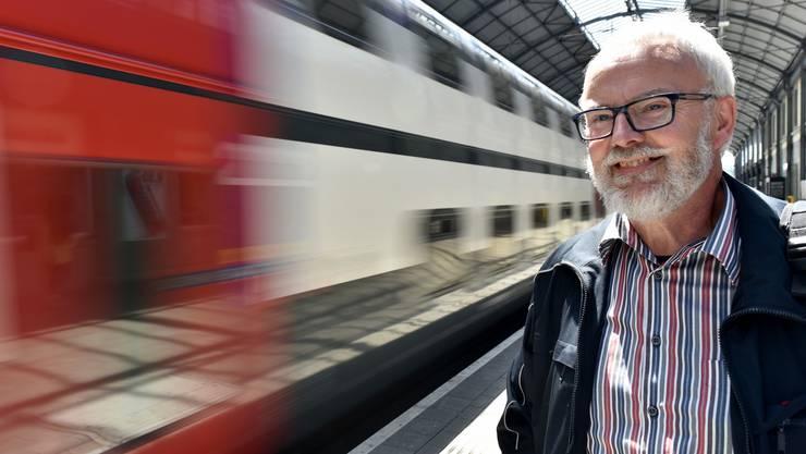 Markus Jäggi am Bahnhof Olten, seiner heutigen SBB-Heimat; früher fuhr der Fulenbacher auch schon mal durch den Gotthard.