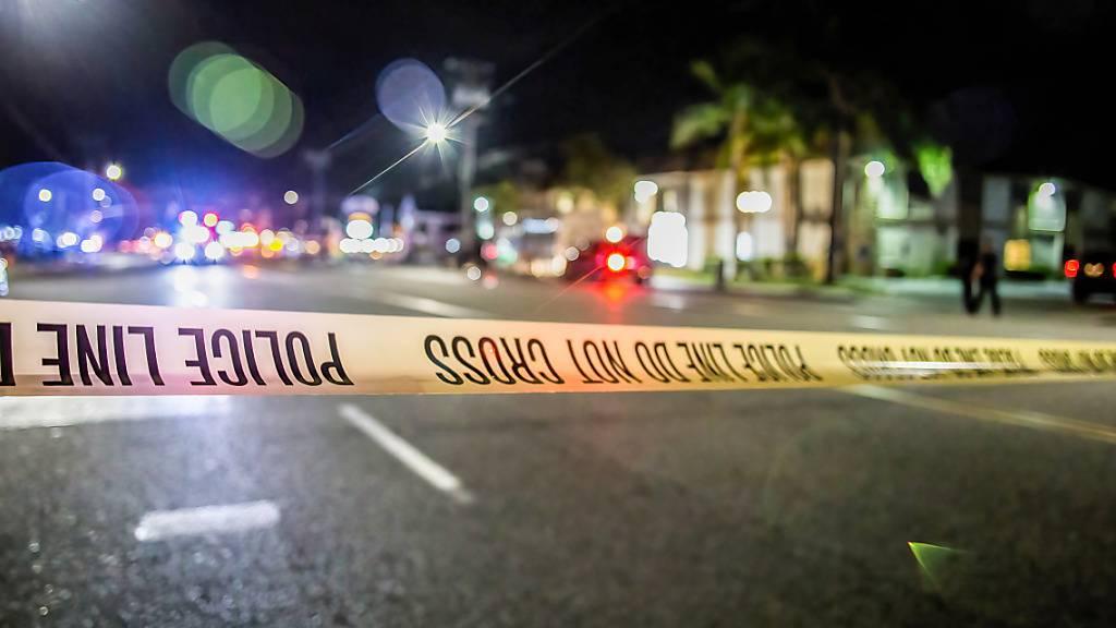 Die Polizei hat den Tatort n der südkalifornischen Stadt Orange abgesperrt. Foto: Stanton Sharpe/SOPA Images via ZUMA Wire/dpa