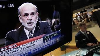 Die Rede Bernankes wird an der NYSE am TV mitverfolgt