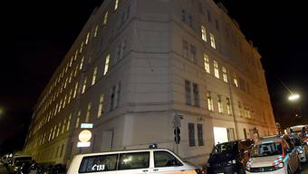 Grosseinsatz der Rettungskräfte in der österreichischen Hauptstadt: Das Feuer wurde in einer Zelle im Wiener Polizeigefängnis am Hernalser Gürtel gelegt.