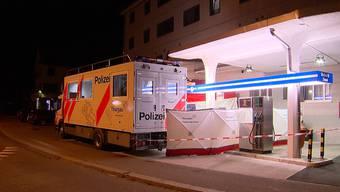 In einer Wohnung in Frauenfeld ist eine Frau tot aufgefunden worden. Die Thurgauer Kantonspolizei geht von einem Tötungsdelikt aus.