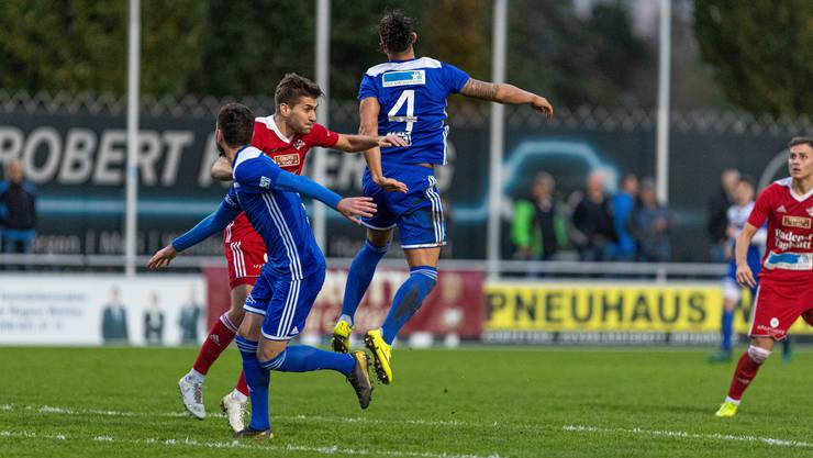 Sie schenkten sich beide nichts: Das lang ersehnte Derby zwischen dem FC Wohlen und dem FC Baden endet 2:2.