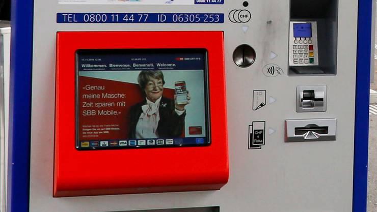 Geknackt und gefasst: Die Waadtländer Kantonspolizei stellte zwei Diebe, die einen SBB-Automaten in Denges knacken wollten. (Symbolbild)
