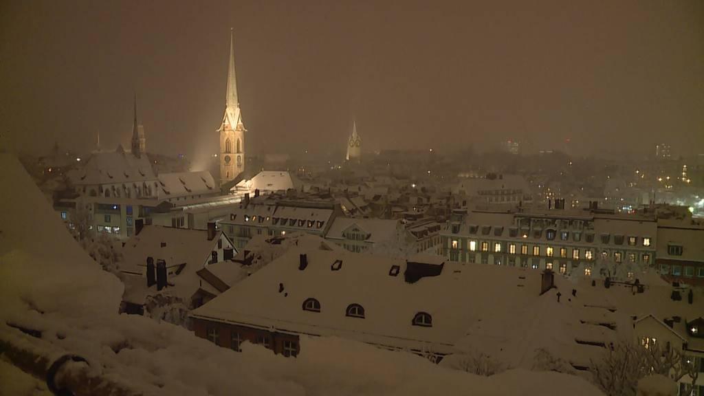 Winterzauber in Zürich - die Stadt versinkt im Schnee