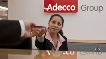 Adecco wächst in allen Geschäftssegmenten. Der Umsatz stieg im zweiten Quartal um 5 Prozent auf 5,97 Euro. (Archiv)
