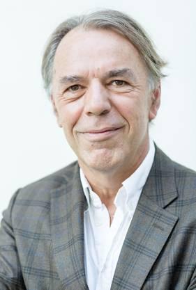 «Wir sind froh,  den Autorinnen und Autoren eine  Auftrittsmöglichkeit verschaffen zu  können.» - Werner Bänziger, Literaturkommission.