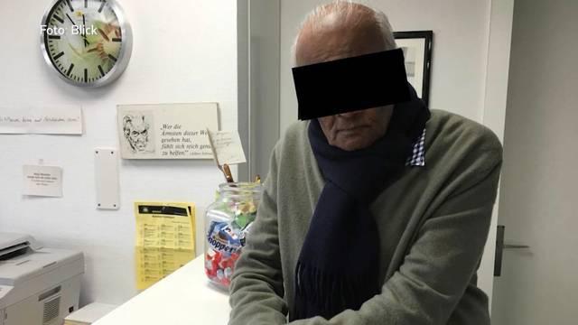 Seit 4. Dezember 2018 darf er im Aargau definitiv nicht mehr praktizieren: Das Bundesgericht wies damals seine Beschwerde gegen den Entzug der Berufsbewilligung ab, wel