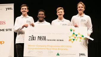 Die Gewinner des Schweizer Mini-Unternehmer-Wettbewerbs: Schüler der Kantonsschule Hottingen aus Zürich.