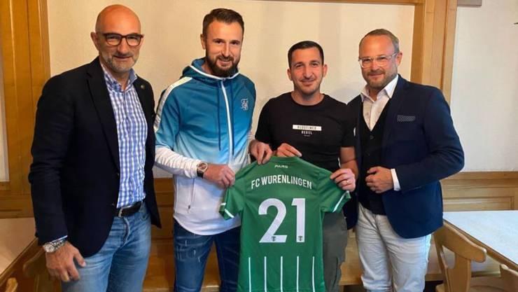 Von links nach rechts: Emilio Simcik (Marketing/Kommunikation), Kurtishi Kimran (Co-Trainer 1. Mannschaft), Rosario Vaccaro (Co-Trainer 1. Mannschaft) und Tom Koller (Juniorenobmann).