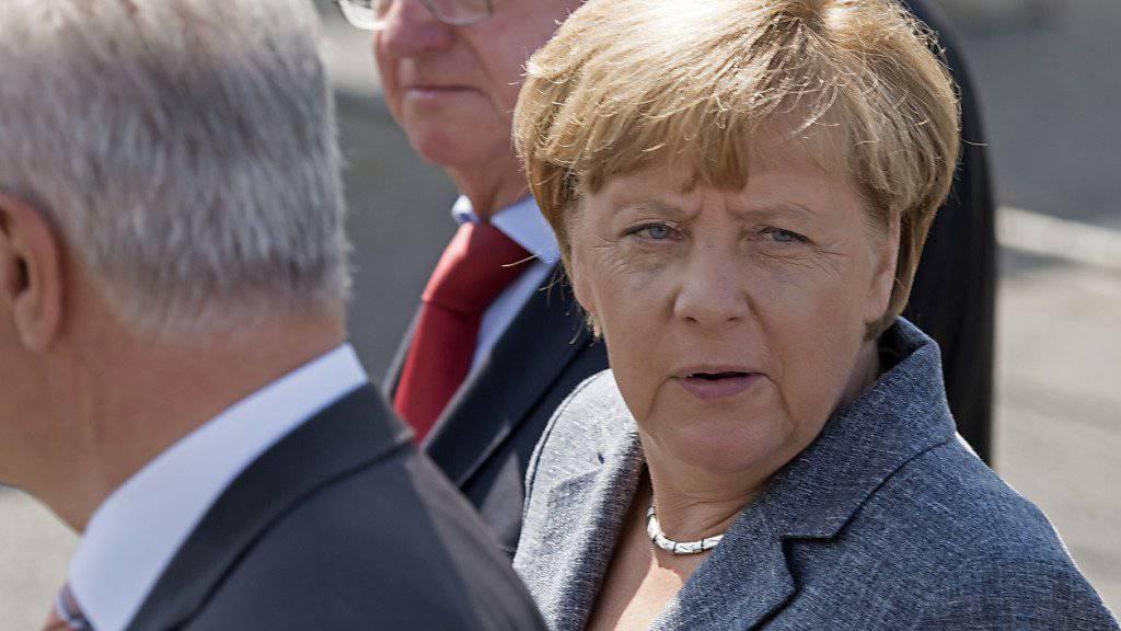 Bundeskanzlerin Angela Merkel musste sich bei ihrem Besuch in Heidenau auf Buh-Rufe und Pfiffe gefallen lassen