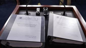 2012 starben mehrere US-Bürger bei einem Angriff von Milizen in Libyen. Der 800-seitige Bericht wirft Hillary Clinton vor, beim Schutz dieser Diplomaten versagt zu haben.