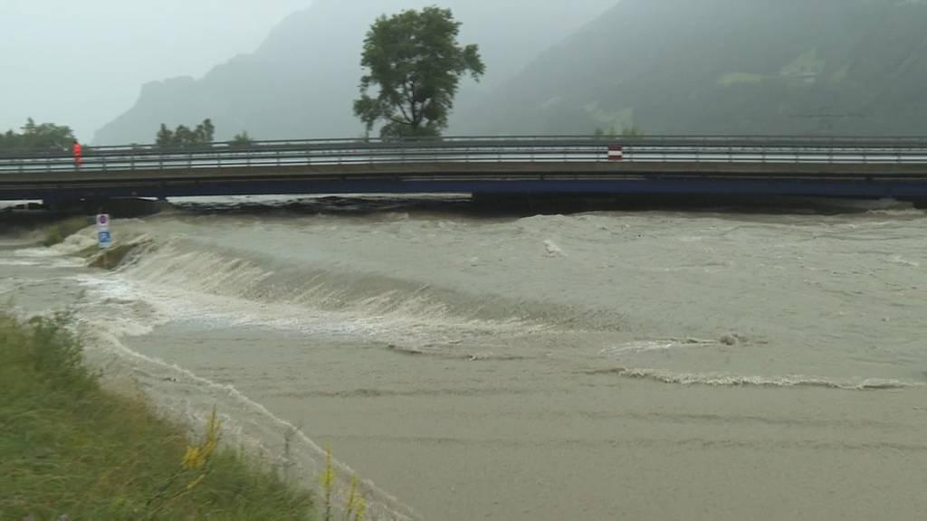 A2 wegen Hochwasser gesperrt