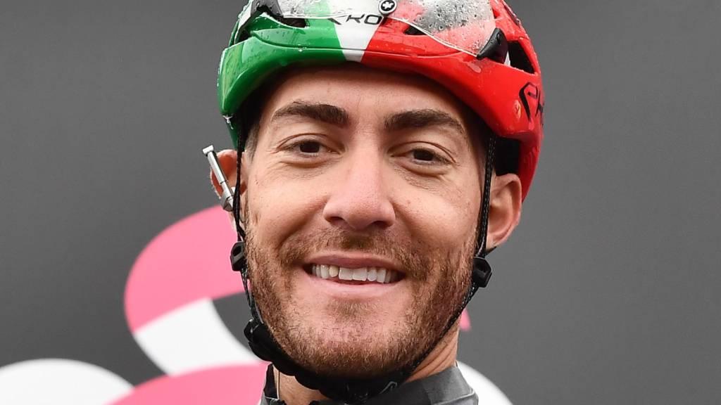 Nach 16 Giro-Podestplätzen ohne Sieg klappte es für den 32-jährigen Italiener Giacomo Nizzolo in Verona endlich mit dem so lang ersehnten Triumph bei der Heimrundfahrt