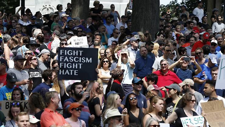 Die Gegendemonstration fand deutlich mehr Zulauf als die Veranstaltung zur Redefreiheit.