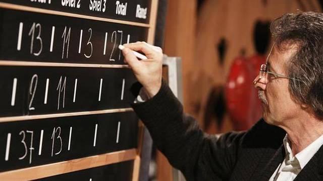 """Samschtig-Jass""-Schiedsrichter Jörg Marti in Aktion (Archiv)"