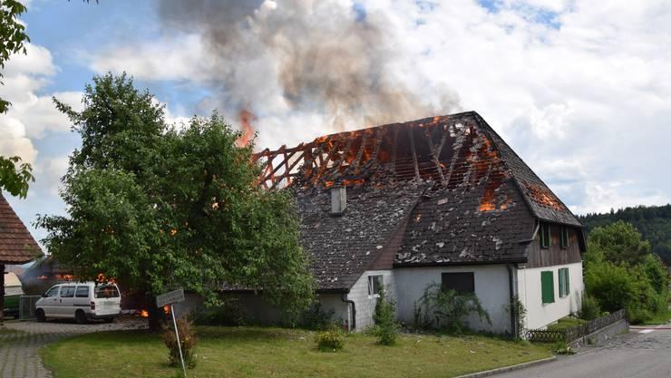 Am Pfingsmontag geriet ein älteres Bauernhaus in Brand.