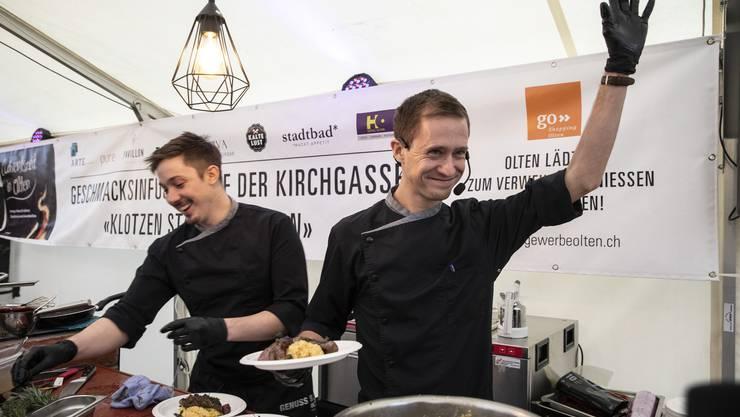 An der ersten Live-Kochshow auf der Kirchgasse hatten auch die Köche selbst ihren Spass.