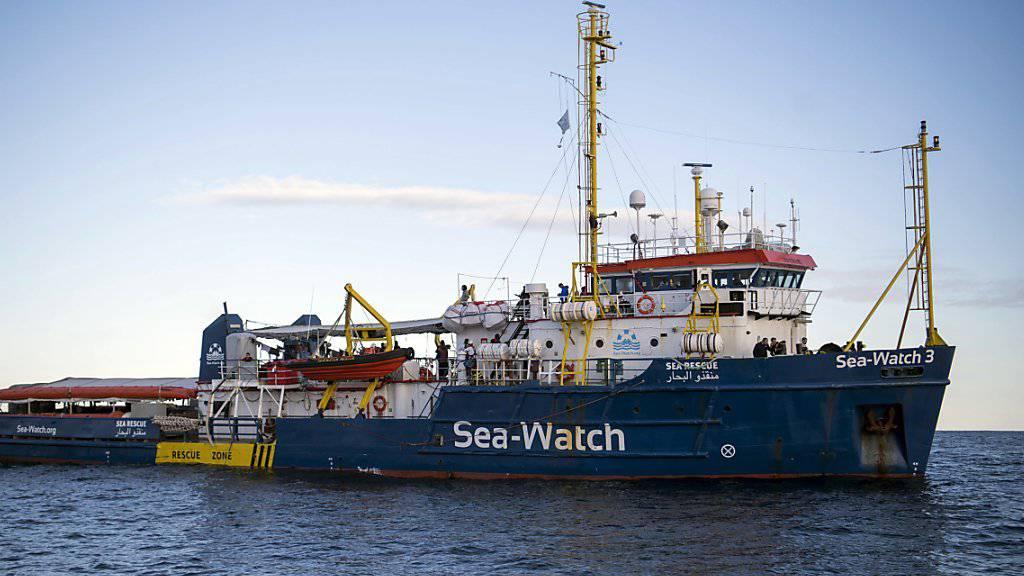 Malta verkündet Lösung für Migranten auf Schiffen vor der Küste