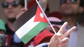 Jordaniens neuer Regierungschef verzichtet auf die umstrittenen Steuererhöhungen, die zu Massenprotesten und Regierungsrücktritt geführt hatten. (Archiv)