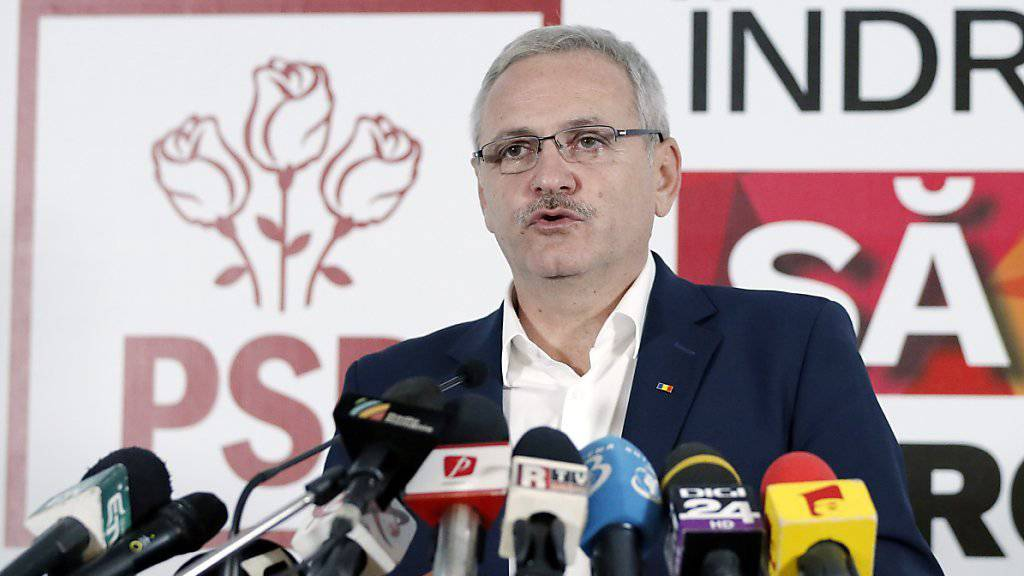 Liviu Dragnea, Chef der rumänischen Sozialdemokraten, kann nicht Premierminister werden weil er vorbestraft ist. Jetzt hat seine Partei eine andere Kandidatin für das Amt nominiert. (Archiv)