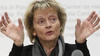 Finanzministerin Widmer-Schlumpf gibt Auskunft (Archiv)