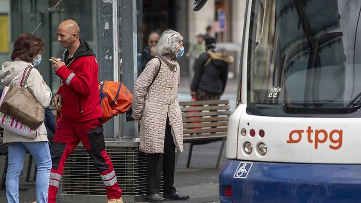Um den Verkehr in den Städten nicht zu überlasten, ruft der Städteverband zur Weiterführung von Homeoffice auf. (Archivbild)