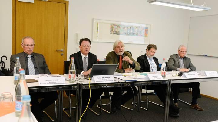 An der Medienkonferenz: Gaston Barth (Präsident Personal- und Organisationsausschuss), Reto Bachmann (Direktor PKSO), Beat Käch (Präsident Verwaltungsratskommission), Roland Heim (Vize-Präsident Verwaltungsratskommission) und Alois Müller (Präsident Anlageausschuss).