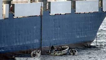 Piraten kapern Frachter (Symbolbild)