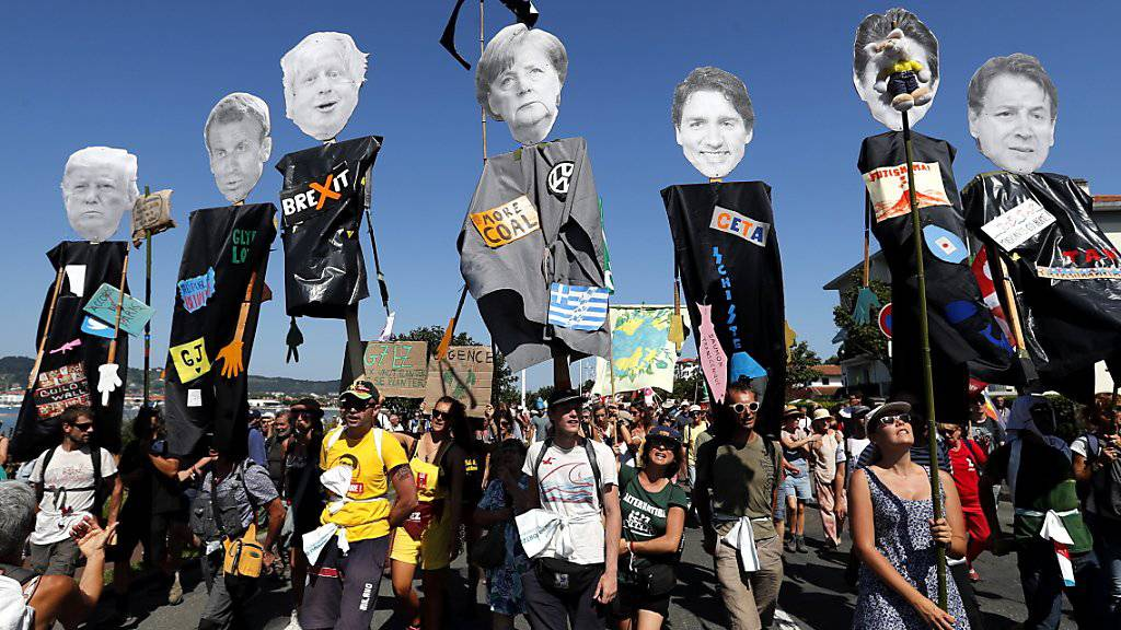 Gegner des G7-Gipfels demonstrieren in Südfrankreich