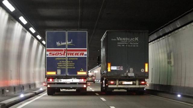 Der Lastwagenverkehr durch die Alpen wird weiter zunehmen