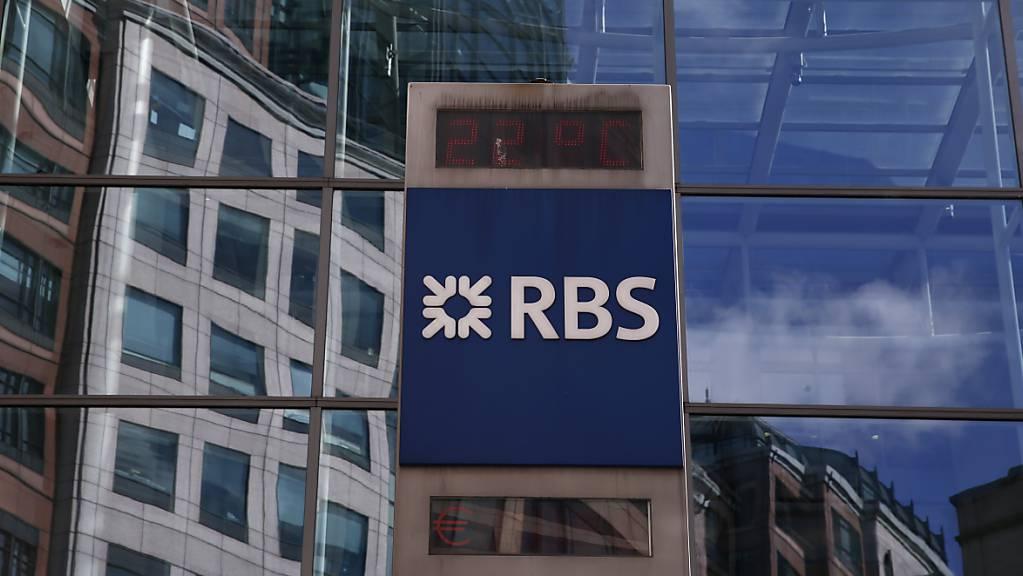 Die Royal Bank of Scotland musste in der Finanzkrise vom britischen Staat gerettet werden. Jetzt verkauft der britische Staat weitere Anteile am Bankkonzern, der jetzt NatWest heisst. (Archivbild)