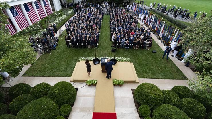 Der mögliche «Superspreader-Event» im Rosengarten des Weissen Hauses: Wie viele Teilnehmer haben sich bei der Präsentation der Nachfolgerin von Richterin Ruth Bader Ginsburg angesteckt?