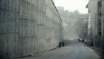 Berüchtigter Ort: Das Evin-Gefängnis in Teheran, wo politische Häftlinge zu Tode gefoltert werden. DPA/Keystone