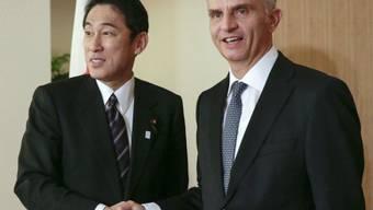 Bundespräsident Burkhalter mit Japans Aussenminister Kishida