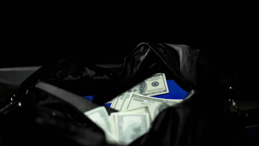 Zwei Maskierte überfallen Geldtransporter in Olten