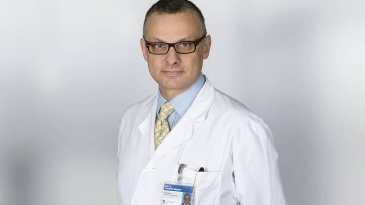 Eine Aufsichtskommission des Zürcher Kantonsrates untersucht die schweren Vorwürfe gegen den Klinikdirektor der Herzchirurgie des Universtiätsspitals Zürich, Francesco Maisano.